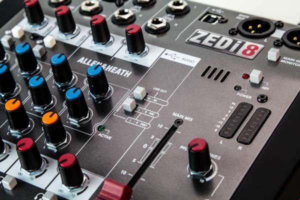 Mixer Analog Allen & Heath ZEDi 8, 8 canale cu interfata USB